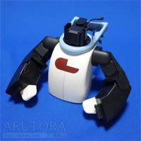 週刊ロビ(Robi)ブログ第57号、マフラーにスイッチを取り付けて左右のボディと組み合わせる