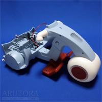 週刊ロビクルをつくるブログ第17号、本体右側にモーターと後輪を取り付ける